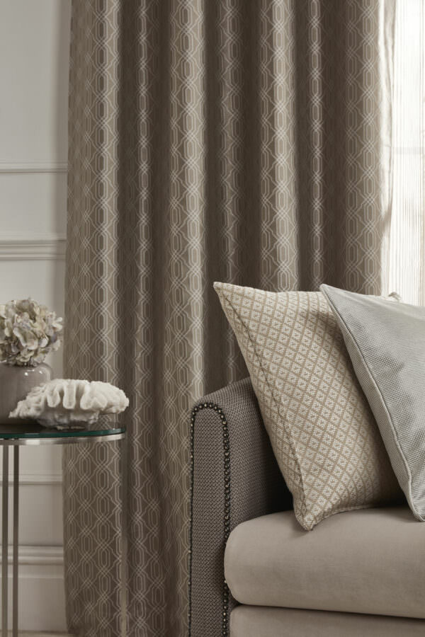 eyelet_curtain_grosvenor_seal_and_ant_deco_cushions