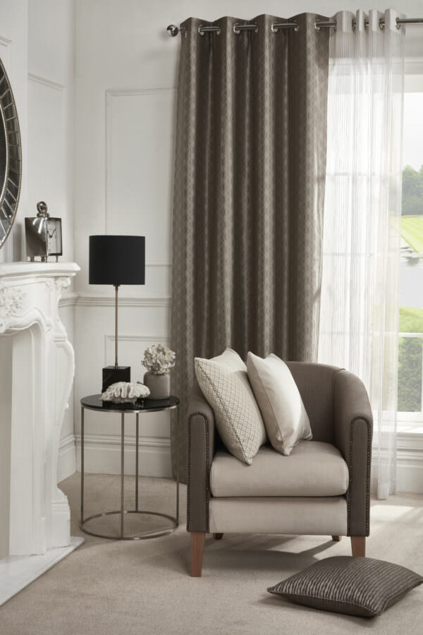eyelet_curtain_grosvenor_seal_design-jr